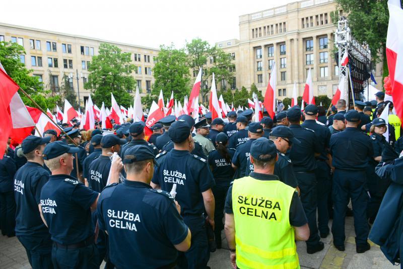 забастовка польских таможенников 2016 рабочие устроиил пикет фото 2016