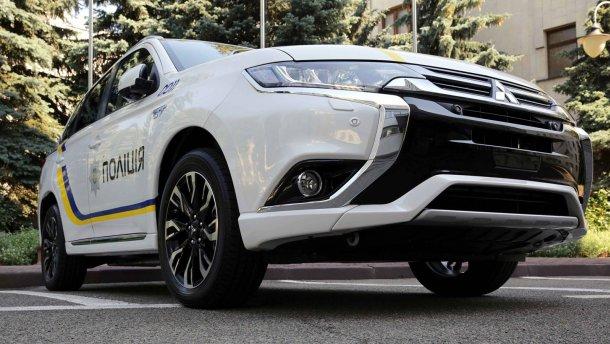 Mitsubishi Outlander PHEV для нацполиции