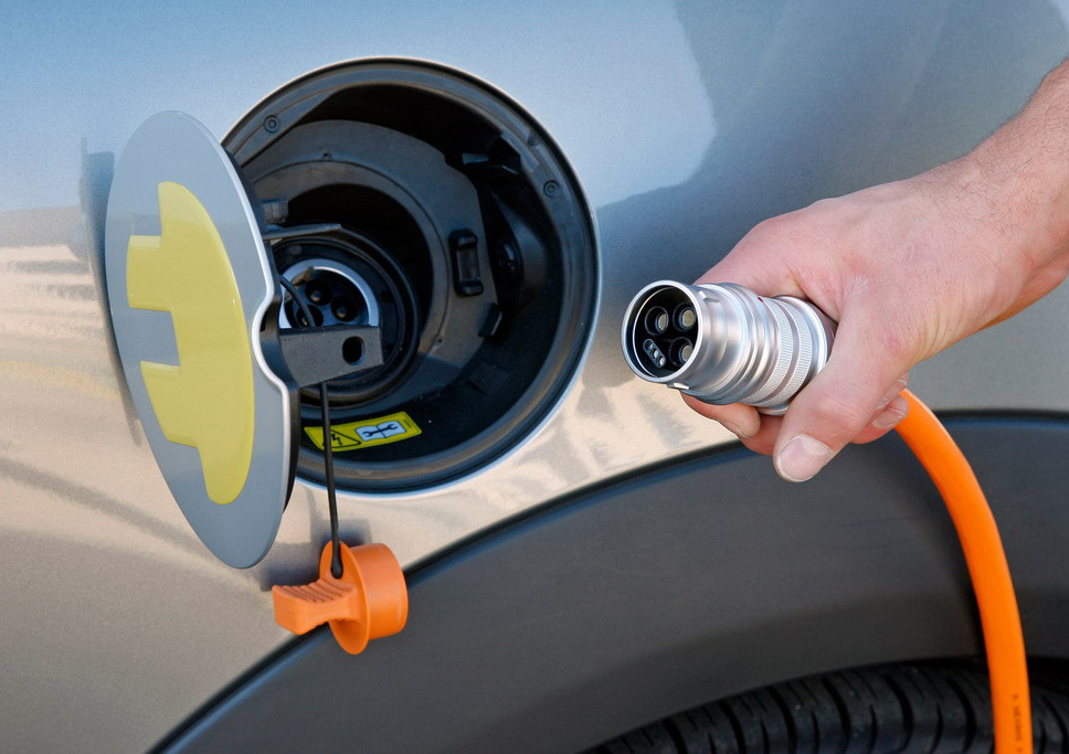 зарядка электромобиля Днепр как выглядит кабель